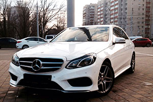 Mercedes Benz E 212